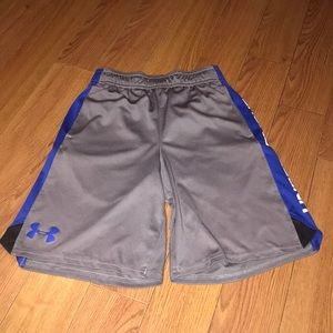 Under Armour Shorts Size Youth Small